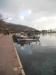 Viduržemio jūros pakrantė, okupuota žvejų